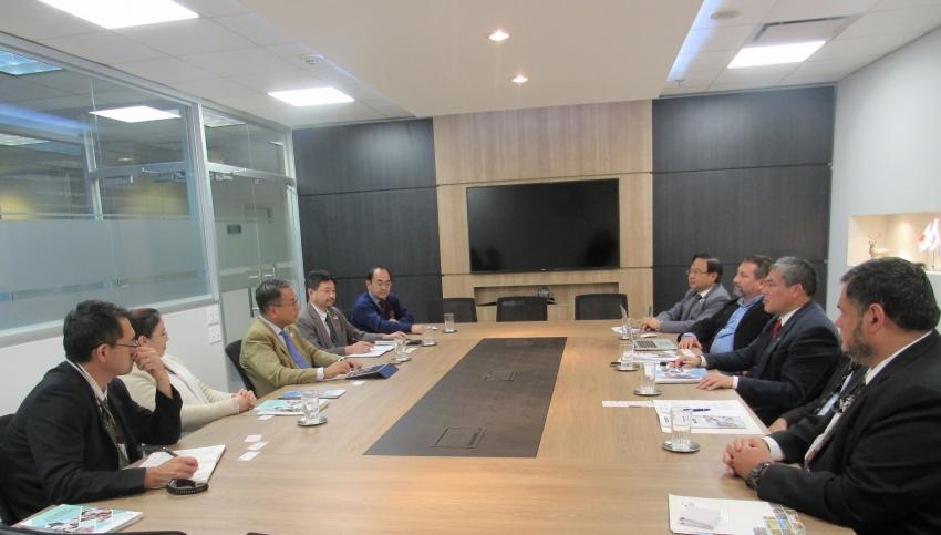 Importante reunión con la Agencia de Cooperación del Japón JICA, logrado gracias al trabajo del Ing. Kanazawa. Va a apoyar a la DMH y están interesados en apoyar también a las demás direcciones de la DINAC.